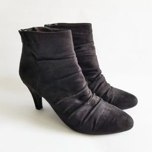 Rialto Black Suede Booties Rippled Fabric Shoes 8